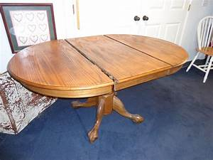 Lovely, Round, Table, With, Leaf