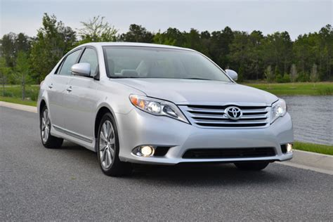 2011 Toyota Avalon Limited Review