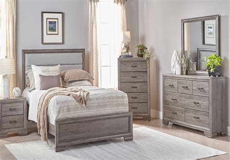 Bedroom Ls by Ladonia Set