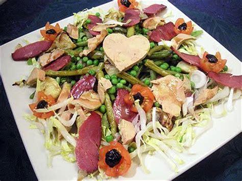 cuisiner restes de poulet salade gourmande au magret et foie gras la recette