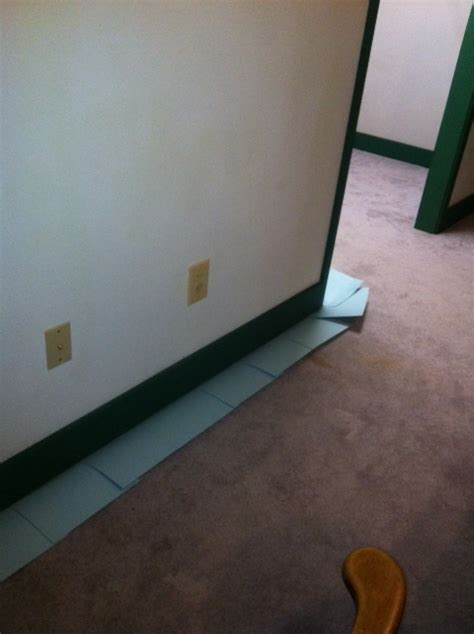 Painting Baseboards On Carpet by Painting Baseboards With Carpet Slide Card Stock Under