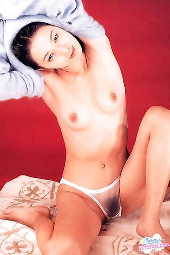 Hitomi Shiraishi 15 Pics