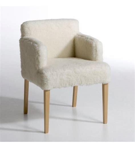 chaise fourrure am pm fauteuil yeti fourrure effet mouton am pm en blanc galeries lafayette