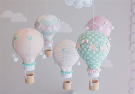 idee decoration chambre enfants bebe montgolfiere mobile fait maison diy my bby s
