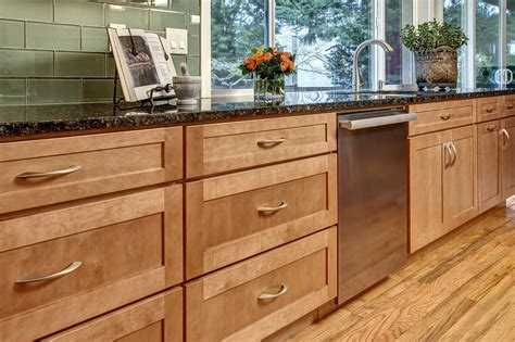 what are shaker cabinets maple shaker cabinets kitchen mf cabinets