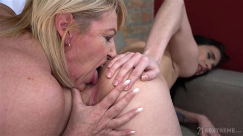 Pussy Orgasms For The Busty Mature And Her Niece Xbabe Video