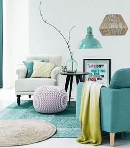 decoration-blanche-bleue-vert-acide-cosy-et-chaleureuse