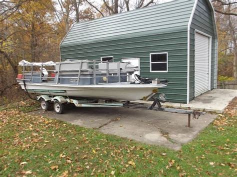 for sale hydrodyne deck boat 70 hp flat top
