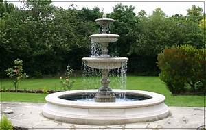 Medium three tiered vermeer garden fountain centrepiece for Garden fountain