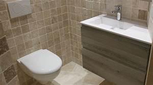 Meuble Pour Petite Salle De Bain : un meuble angle ouvrant dans une petite salle de bain ~ Dailycaller-alerts.com Idées de Décoration