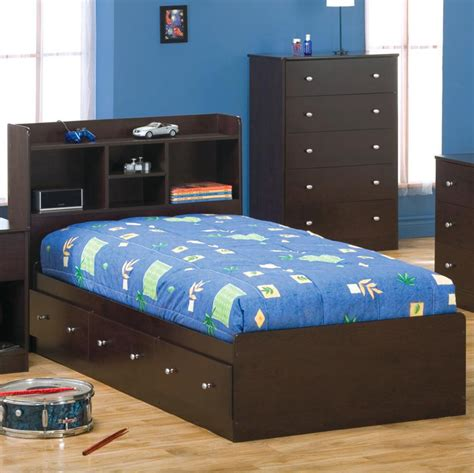 Box Bed by Payton Box Bed