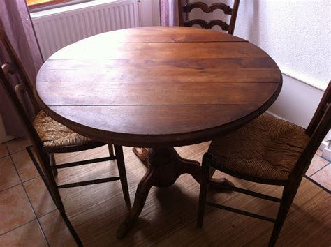 table ancienne et chaises modernes stunning table ancienne et chaises modernes gallery
