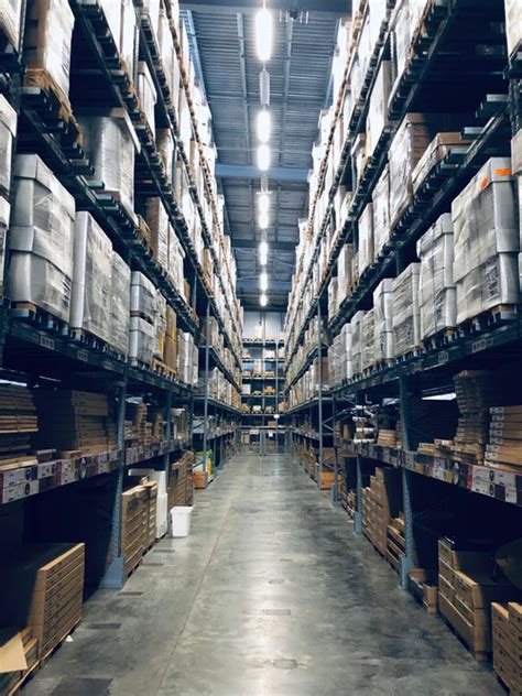 guide  choosing  cost efficient warehouse lighting