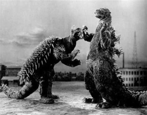 Godzilla Raids Again(ゴジラの逆襲)