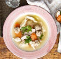 Dzidrā vistas zupa ar dārzeņiem un klimpām - Tasty.lv - DELFI