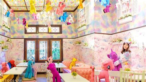 Karpet Karakter Kuda Pony uniqorn cafe kafe unik di bandung dengan desain