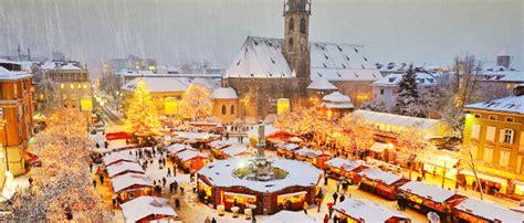 Banchetti Di Natale Bolzano by Sciare Tra I Mercatini Di Natale Snowcare Assicurazione Sci
