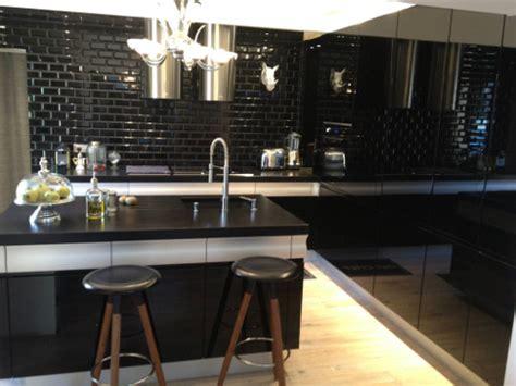 carrelage cuisine noir cuisine carrelage metro noir chaios com