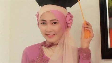 kumpulan model hijab  kebaya  cantik