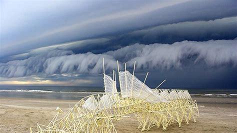 theo jansens strandbeests walk  england beaches architectural digest