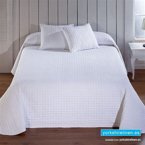 Calgary White Bedspread  Yorkshire Linen Warehouse, Sl