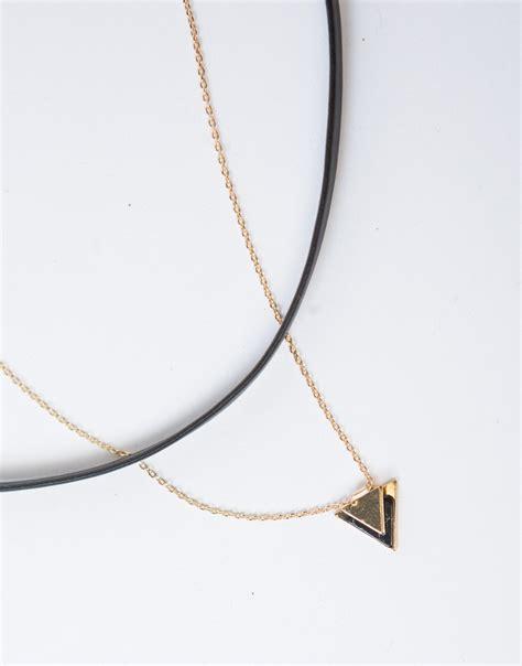 triangle pendant leatherette choker white pendant