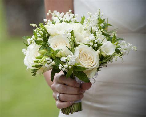 wedding budget popular cheap wedding bouquet ideas