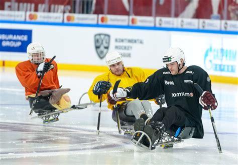Arēnā Rīga, tūkstošiem hokeja fanu iepazina #ParaLedusHokejs #ParaIceHockey in 2020 | Sledge ...