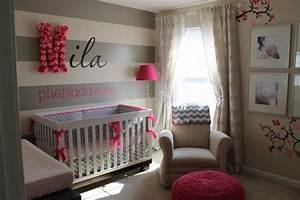 chambre bebe fille en gris et rose 27 belles idees a With déco chambre bébé pas cher avec peintures de fleurs contemporaines