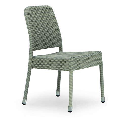 chaise en résine tressée chaise de jardin taupe en résine tressée brin d 39 ouest