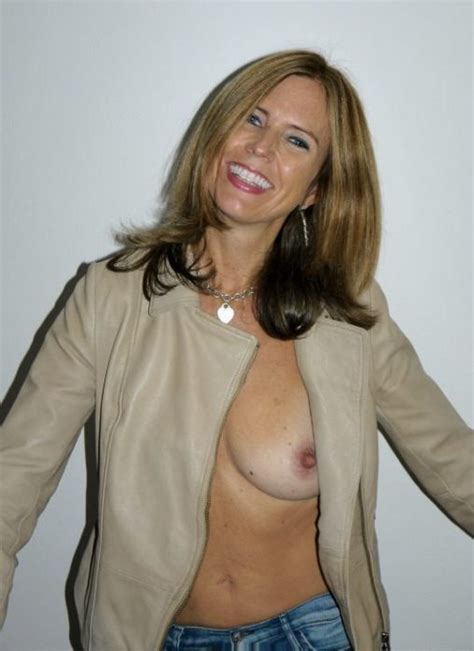 Milf Update Page 2 Daily Updated Hottest Milf Pictures