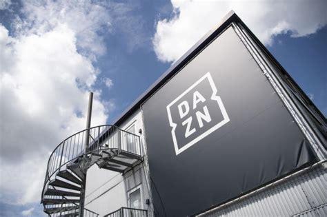 Die em 2021 übertragung in der ard ist im fernsehen, über die mediathek oder die app joyn zu verfolgen. DAZN zeigt von 2021 an 121 der 137 Champions-League-Spiele