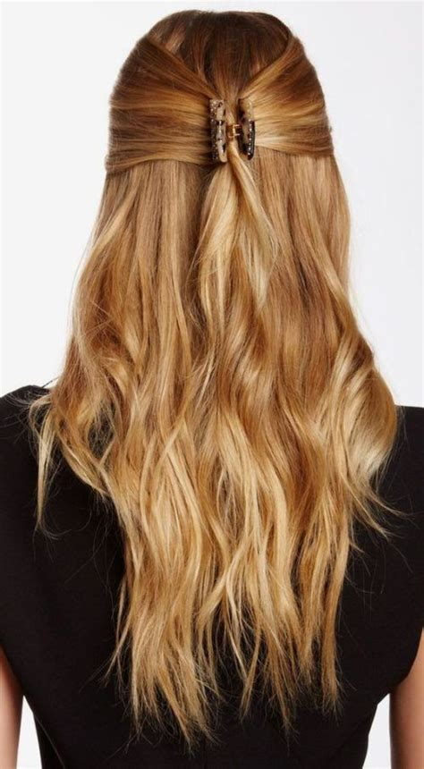 quick  sophisticated hairstyle   jaw clip