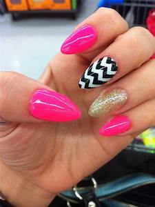 Vacation Nails! Hot Pink. Black and White Chevron. Gold ...