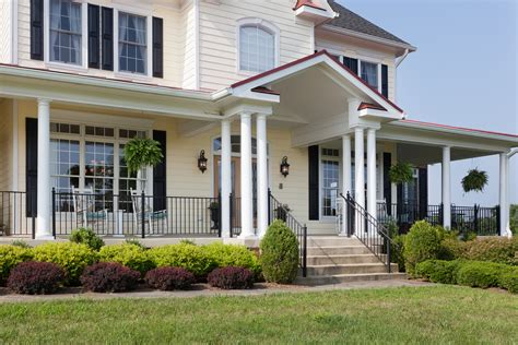 Country Front Porch by Country Estate Fairhaven Homes