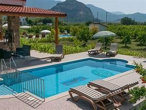 Garten Pool Ideen : 160 tolle bilder von luxus pool im garten ~ Whattoseeinmadrid.com Haus und Dekorationen