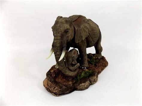 elefanten deko figuren elefant baby tierfigur skulptur elefanten deko garten tier