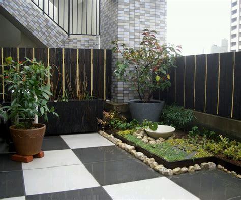 membuat model taman kecil belakang rumah renovasi rumahnet