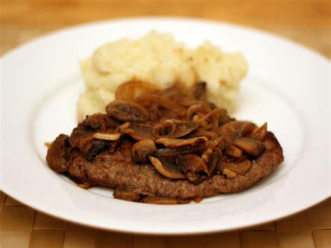 what is cube steak dinner tonight cube steak 224 la salisbury recipe serious eats