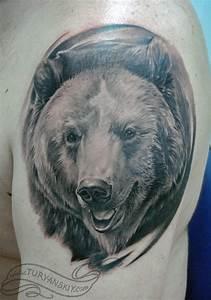 Black bear face tattoo on shoulder - Tattoos Book - 65.000 ...