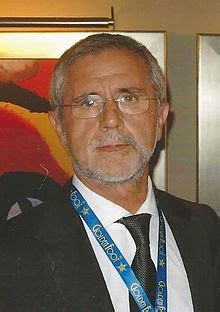Bayern munich has confirmed that legendary german striker gerd mueller died in the early hours of august 15, 2021, at the age of 75. Gerd Müller - Wikipedia