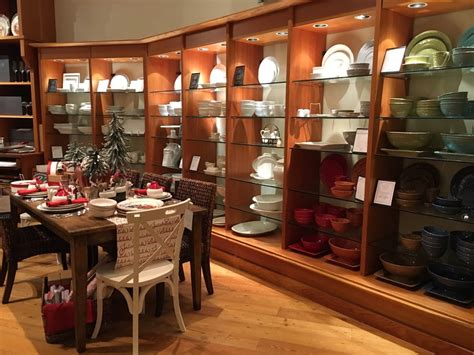 pottery barn    reviews furniture stores
