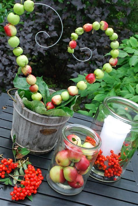 Herbst Deko Gartenparty by Shaped Table Centerpiece With Fresh Fruit