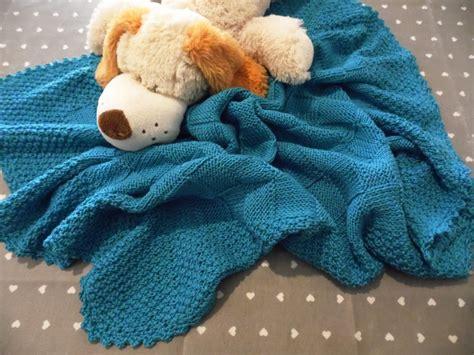 Per Neonati - copertine ai ferri per neonato cerca con corredino
