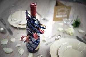 Weinflasche Verpacken Selber Machen : flasche einpacken sch n einpacken flasche verpacken geschenke einpacken schoen einpacken ~ Watch28wear.com Haus und Dekorationen