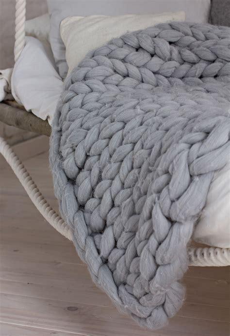le plaid xxl la tendance deco  tricot de cet hiver
