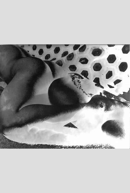 Mariah Robertson - Untitled Nude (Knit) - Contemporary Art