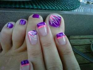Purple toe nails with line design & matching mani | Rock ...