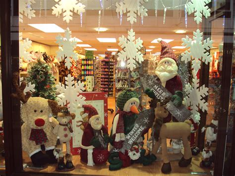 file christmas shop window birkenhead dsc04922 jpg