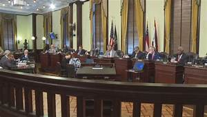City officials look to finalize labor agreement with ...